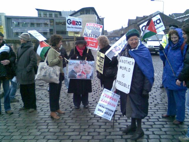 Start of Edinburgh Gaza protest 10 January 2009