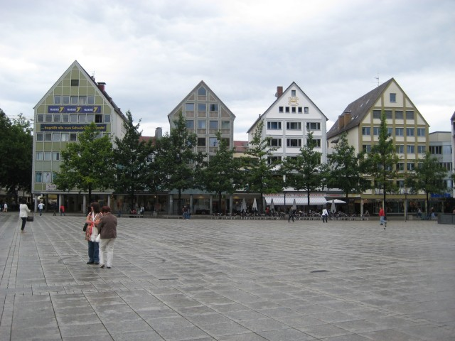 The Münsterplatz, Ulm, where Vroni played briefly.