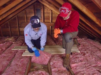 Laying loft insulation